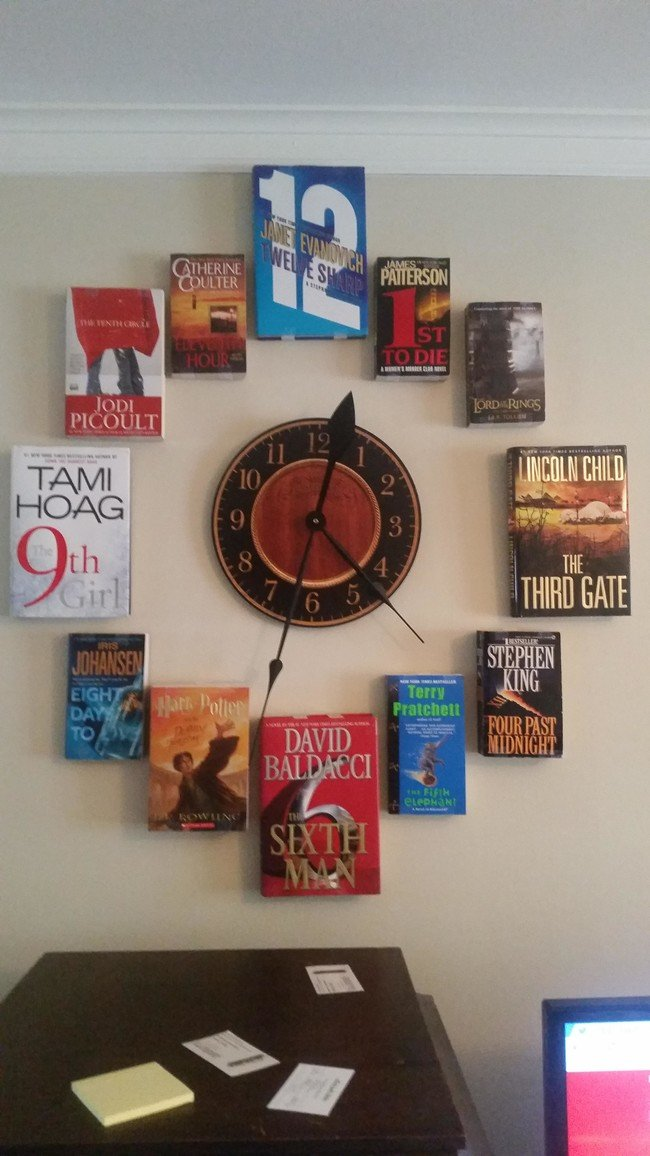 A Do-It-Yourself Book Clock Every Book Lover Will Want